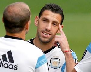 Maxi Rodriguez no treino da Argentina (Foto: Reuters)