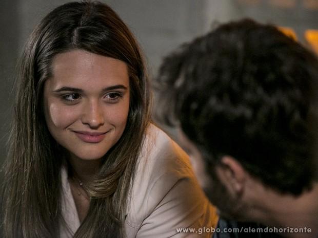 Lili não acredita nas mentiras de William  (Foto: Felipe Monteiro/TV Globo)