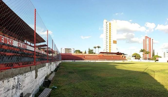 Recuperação do Estádio Renatão para a pré-temporada do Campinense (Foto: Divulgação/Campinense)