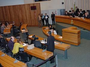 Deputados distritais votaram projetos próprios em sessão desta terça-feira (7). (Foto: Fábio Rivas / CLDF)