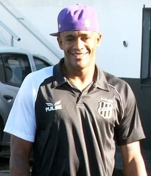 Alexandro, atacante da Ponte Preta (Foto: Carlos Velardi/ EPTV)