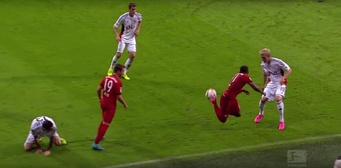 BLOG: Douglas Costa começou tão bem no Bayern que ganhou um vídeo só para ele