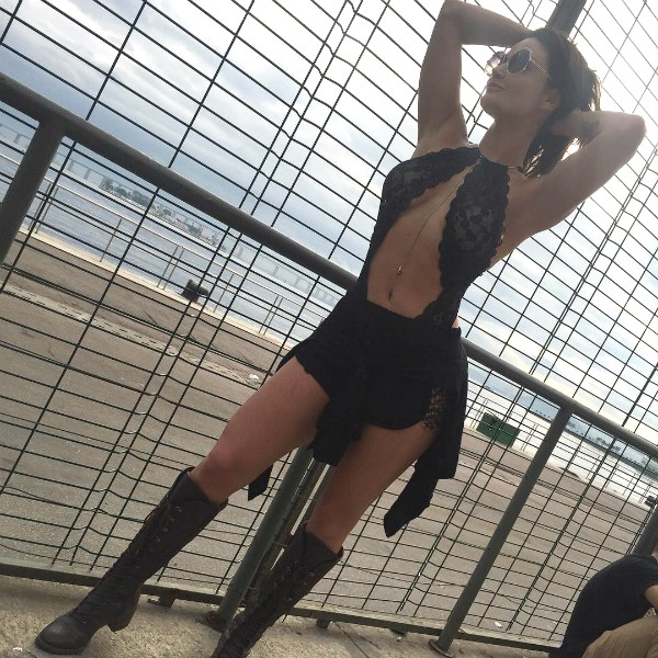 Laura Keller voltou para casa usando apenas lingerie após noitada com o marido, Jorge Souza (Foto: Reprodução / Instagram)