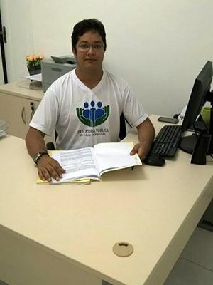 Renan chegou a ser aprovado para a magistratura, mas preferiu a defensoria (Foto: Arquivo Pessoal/ Renan Reis)