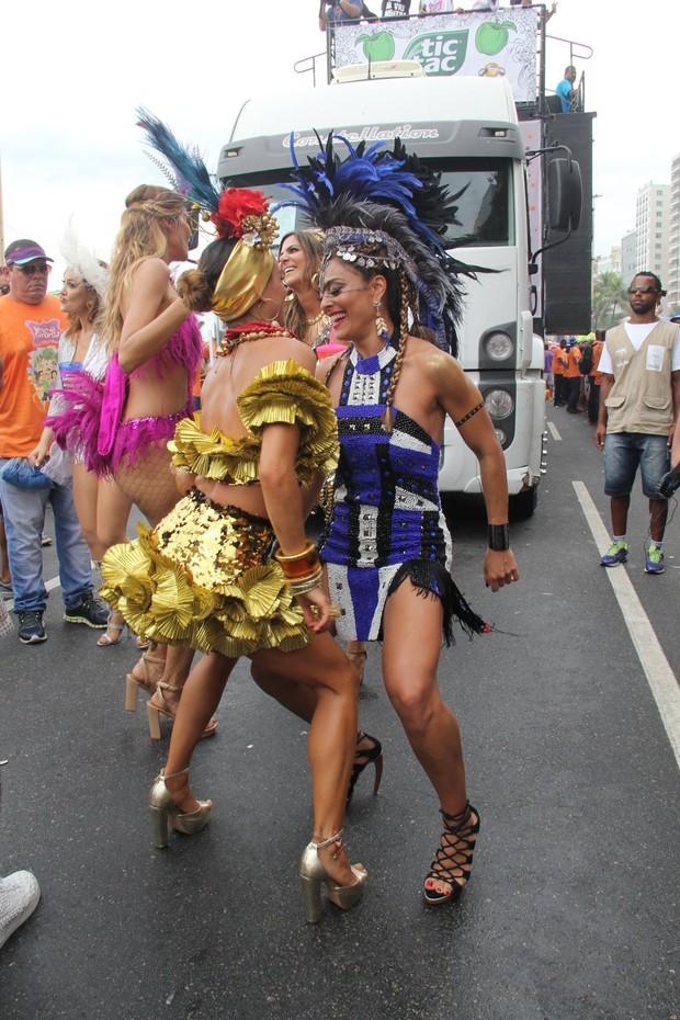 Juliana Paes e Isis Valverde (Foto: Wallace Barbosa/AgNews)