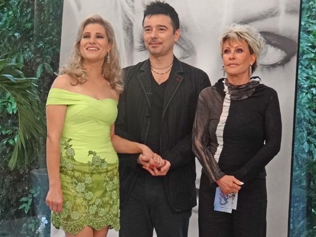 Fashion Express transforma vestido de festa de curitibana (Foto: Mais Você / TV Globo)