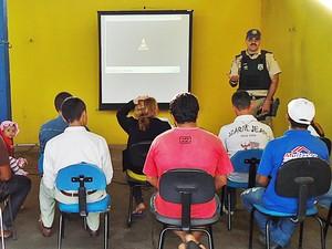 PRF realiza campanha Cinema Rodoviário na Paraíba (Foto: Divulgação/PRF)