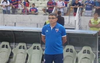 Flávio Araújo destaca empenho e vai manter dois entre titulares do sábado
