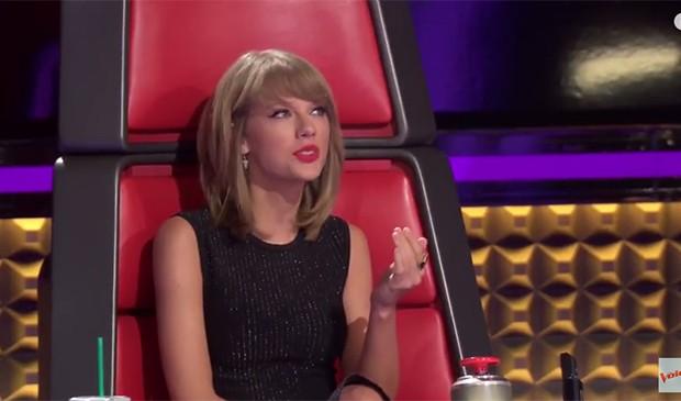 Taylor Swift durante sua participação como mentora no The Voice americano (Foto: Reprodução)