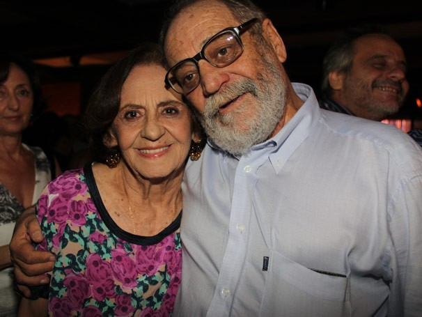 O autor Walter Negrão e a atriz Laura Cardoso (Foto: Divulgação/Nathalia Fernades)