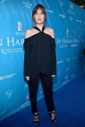 Dakota Johnson em evento em Los Angeles, nos Estados Unidos (Foto: Alberto E. Rodriguez/ Getty Images/ AFP)