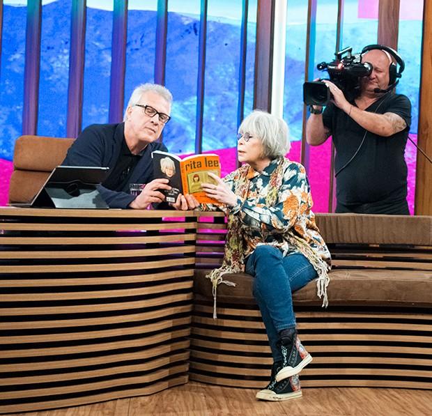 Bial é só elogios para a autobiografia de Rita (Foto: Guilherme Samora/ Ed. Globo)