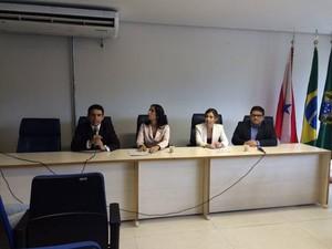 Representantes do MPE, MPF e MPE esclareceram nesta quinta-feira (15), em Belém, os pontos da ação judicial que pede a paralisação das atividades no porto de Vila do Conde. (Foto: Catarina Barbosa/G1)