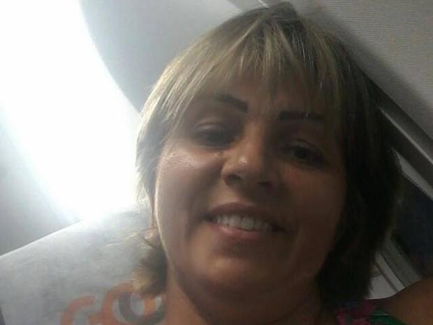 Rosane <b>Moreira Silveira</b>, 50 anos, dona de casa, mulher, desaparecida, Porto - rosane_2