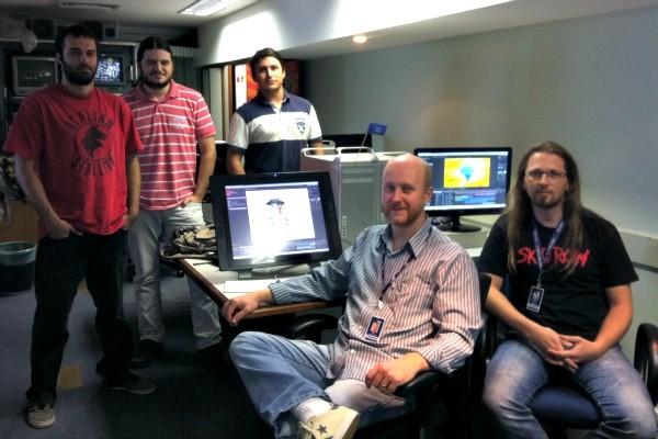 Equipe do departamento de arte da RBS TV que realizou o novo projeto gráfico (Foto: Luiza Carneiro/ RBS TV)