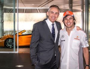 Sergio Pérez e o chefe da McLaren, Martin Whitmarsh (Foto: Reprodução)