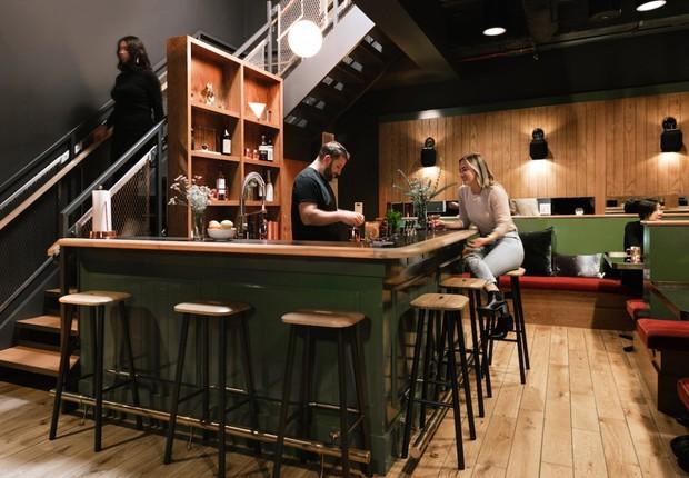 O bar do WeLive fica aberto até às 22h (Foto: Divulgação)