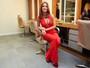 Marina Ruy Barbosa aposta em decotão para evento de beleza em SP