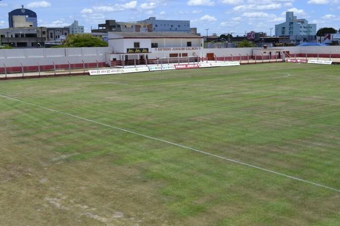Estádio Joaquim Calmon, em Linhares (Foto: Sidney Novo / GloboEsporte.com)