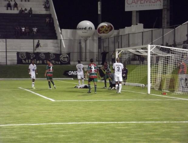 ABC vence Santa Cruz-RN no Estádio Frasqueirão (Foto: Jocaff Souza)