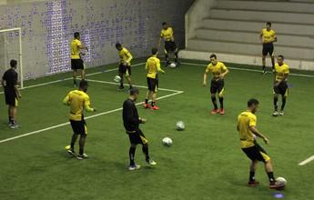 Criciúma aposta em formação com três atacantes para bater o Atlético-GO
