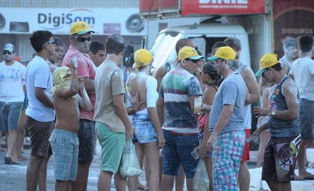 Mela-mela é tradicional no carnaval de Alexandria, no Oeste do Rio Grande do Norte (Foto: Jânio Melo/Barriguda News)