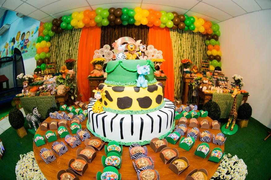 Veja fotos de como decorar uma festa infantil com tema safari M u00e3es GNT -> Decoração Festa Infantil Zoologico
