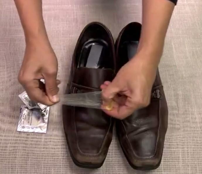 Camisinha para limpar sapatos? Assista ao vídeo e confira o teste do Gshow (Foto: Divulgação)