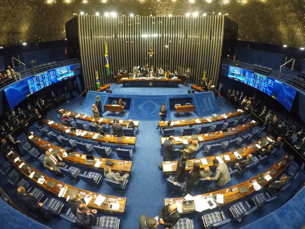 Quase 20% dos parlamentares em exercício no Senado são substitutos