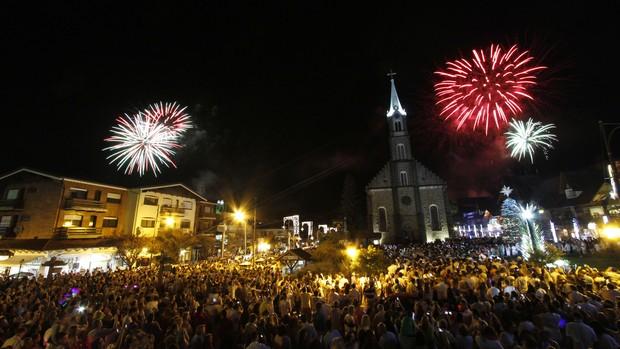 'Show da virada' reúne cerca de 10 mil pessoas (Cleiton Thiele/Divulgação)