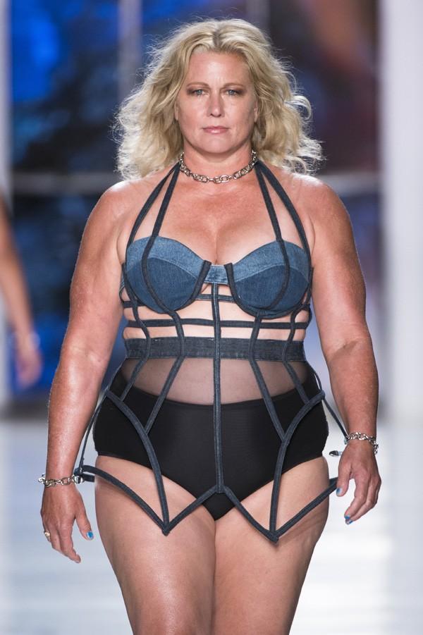 Desfile da Chromat na semana de moda de Nova York  (Foto: Imaxtree)