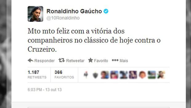 Ronaldinho Gaúcho comemoração twitter  (Foto: Reprodução / Twitter)