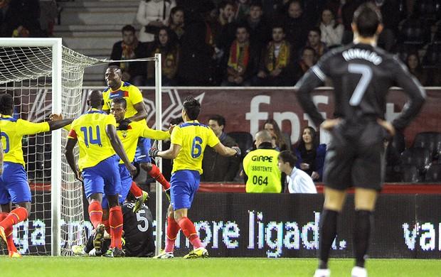 Antonio Valencia comemora gol do Equador contra Portugal (Foto: AFP)