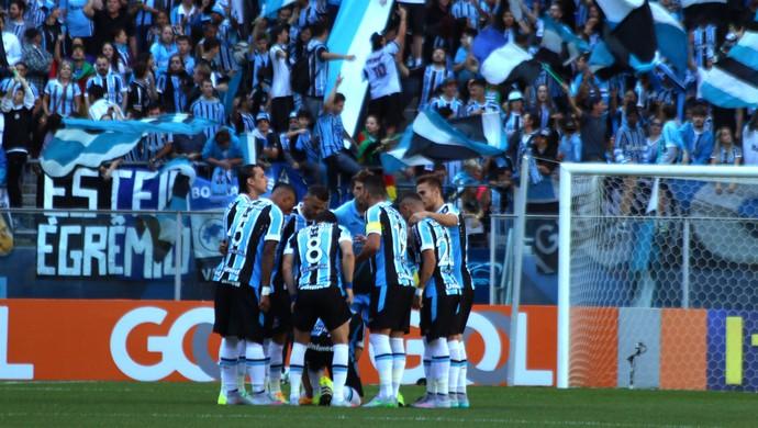 Grupo do Grêmio teve sete ausência para jogo com Goiás  (Foto: Diego Guichard)