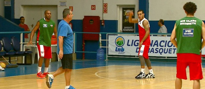 Marcelo Tamião, técnico do time de basquete do Rio Claro (Foto: Clausio Tavoloni/EPTV)