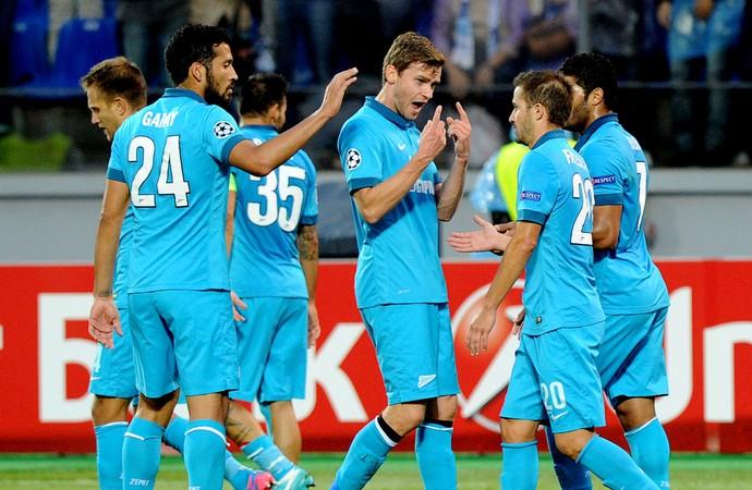 jogadores Zenit gol  Standard Liege liga dos campeões (Foto: Agência AFP)