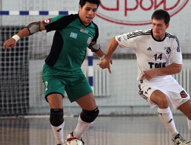 Léo Higuita, goleiro de futsal do Kairat, do Cazaquistão (Foto: Reprodução Facebook)