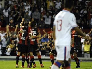 Newell's Old Boys 4 x 0 Nacional-URU, comemoração, Libertadores (Foto: EFE)