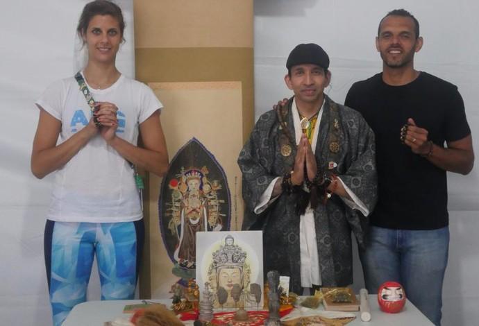 Yael, Zenji e Marcus na cerimônia da Vila dos Atletas (Foto: Divulgação)