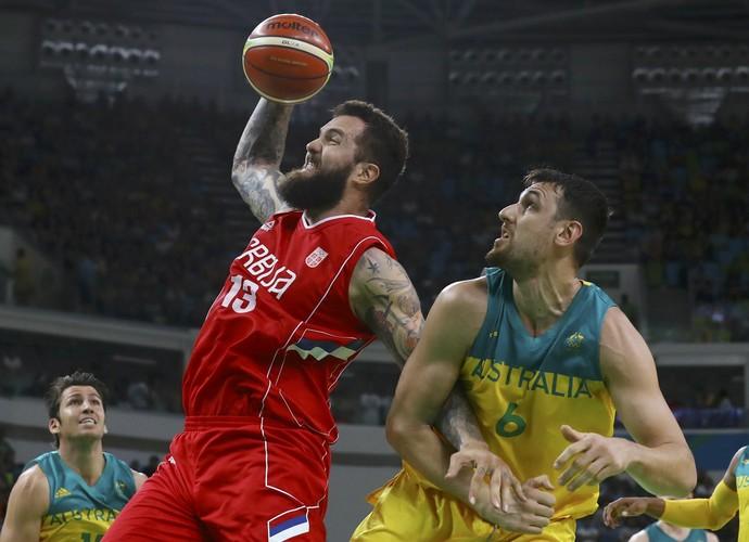 Austrália x Sérvia - Basquete masculino - semifinal (Foto: REUTERS/Jim Young)