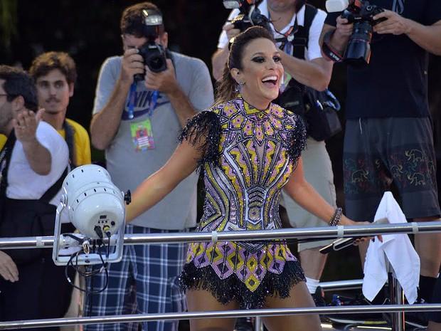Ivete Sangalo em desfile no Campo Grande (Foto: Elias Dantas/Ag. Haack)