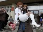Russo faz surpresa para noiva e se casa vestido de capitão Jack Sparrow