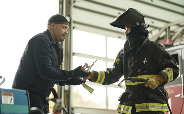 "Chicago Fire - ""Slamigan"" (10Ep6T)"