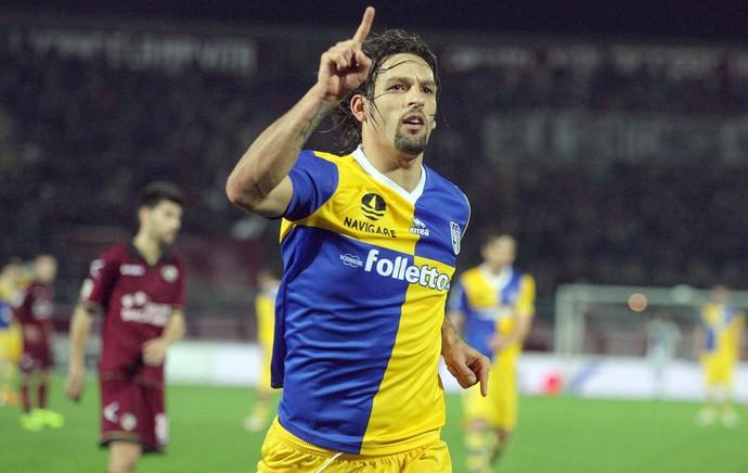 Amauri comemora gol do Parma contra o Livorno (Foto: EFE)