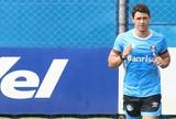 Com palmilha especial, Giuliano segue tratamento e anima para Libertadores