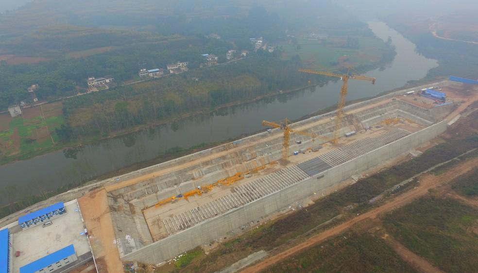 Construção da réplica do Titanic em Daying, província de Sichuan. (Foto: Reuters)