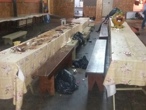 Vândalos danificam móveis e equipamentos de escola municipal  (Foto: Arquivo pessoal)