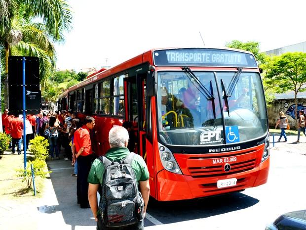 Ônibus gratuitos já circulam há 28 dias. (Foto: Fernando Silva / Ascom Maricá)