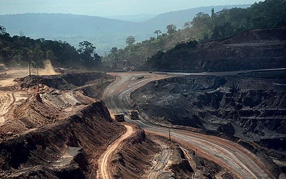 MENOS DIVISAS Mina da Vale, no sul do Pará. Com o arrefecimento da economia chinesa, os preços do minério de ferro caíram (Foto: Lunae Parracho/Reuters)