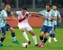 """Mascherano não se perdoa após erro que deu empate ao Peru: """"É uma m..."""""""